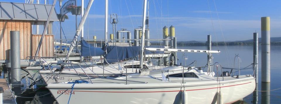 Segelboote. Segeln Bodensee, Segelschule in Moos